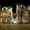 Необычный «Кривой дом» в Сопоте. (12 фото)