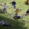 Сырная гонка в Англии… (22 фото)