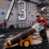 Повседневная жизнь на авианосце ВМФ США. (21 фото)