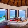 Laucala — потрясающий отель на острове Фиджи. (34 фото)