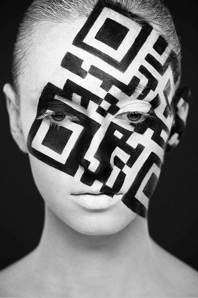 نقاشی هنرمندانه و زیبا روی صورت