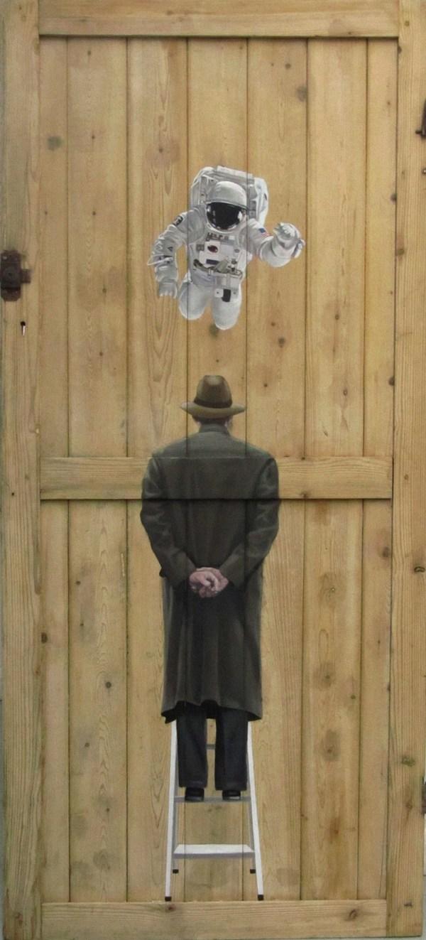 Фото. Интригующие картины на старых дверях. (7)