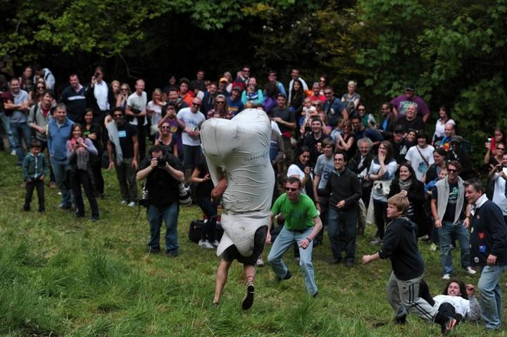 Сырная гонка в Англии (7)
