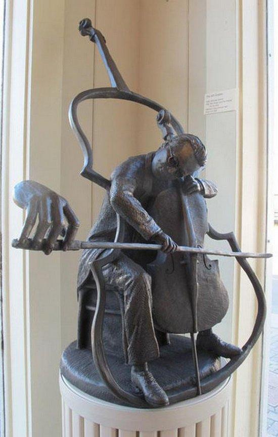 Сюрреалистические скульптуры (10)