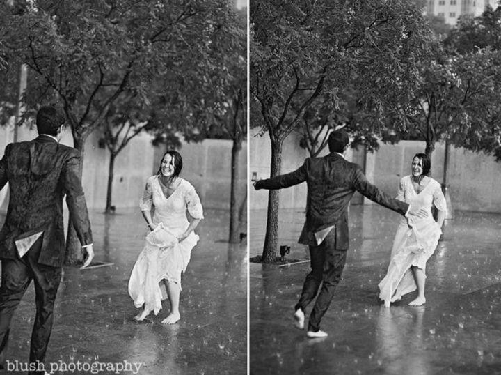 Красивые свадебные фотографии под дождем (4)