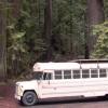 Дом на колёсах из старого автобуса. (7 фото)