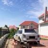 Пьяная ТП «припарковала» свой Cayenne и пешком ушла домой (4 фото)