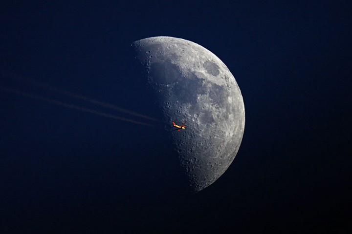 Фото. Самолеты на фоне луны и солнца. (14)