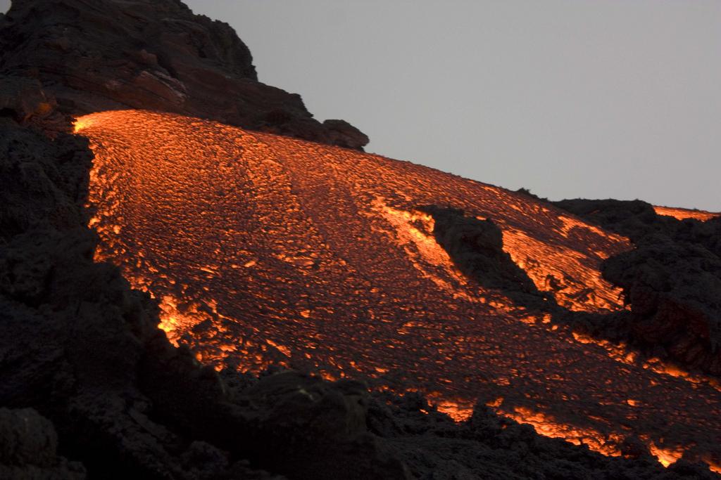 вулканическая лава фотографии первый выпуск смотрел