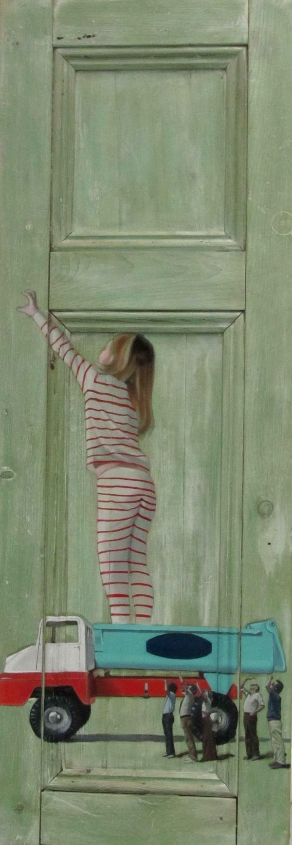 Фото. Интригующие картины на старых дверях. (5)