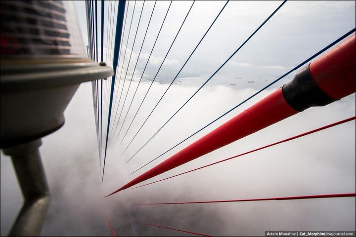 Восхождение на вантовый мост во Владивостоке (1)