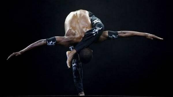 Йога. Самые необычные позы (19)