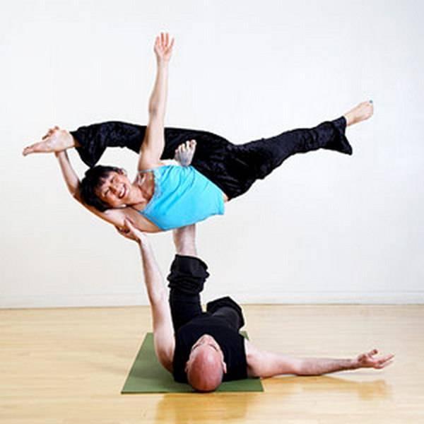 Йога. Самые необычные позы (10)