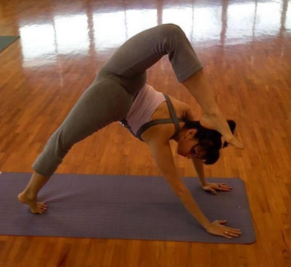 Йога. Самые необычные позы (7)
