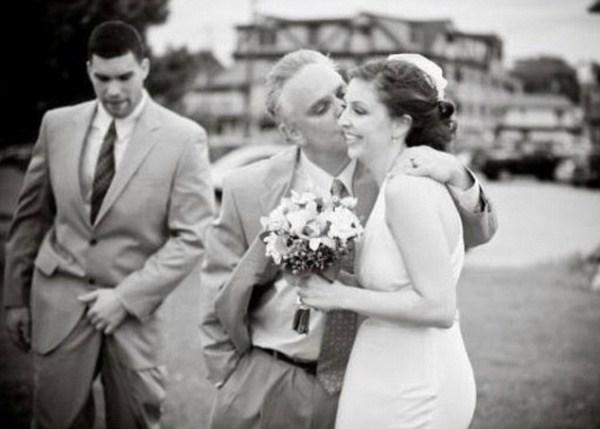 Какие фото не надо делать на свадьбах (9)