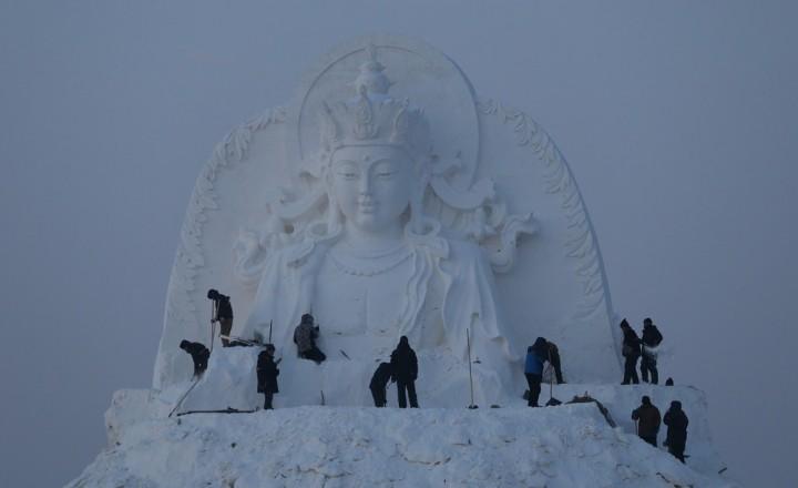 Фестиваль снежных и ледяных скульптур в Харбине (5)
