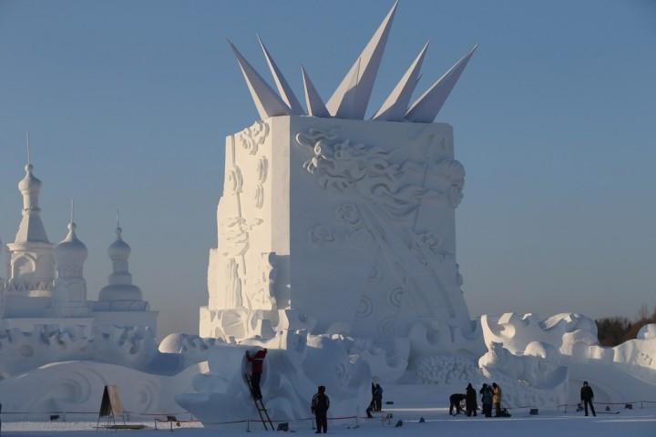 Фестиваль снежных и ледяных скульптур в Харбине (11)