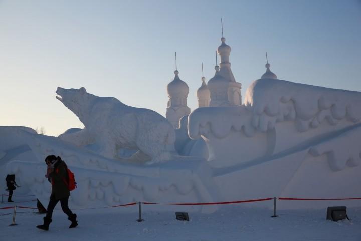 Фестиваль снежных и ледяных скульптур в Харбине (1)