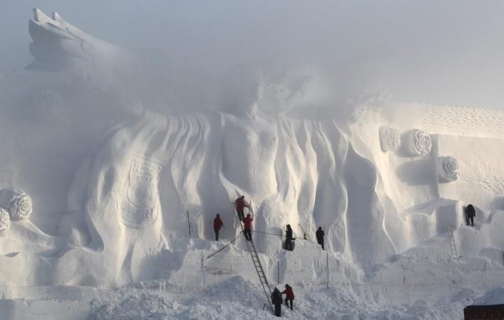 Фестиваль снежных и ледяных скульптур в Харбине (8)