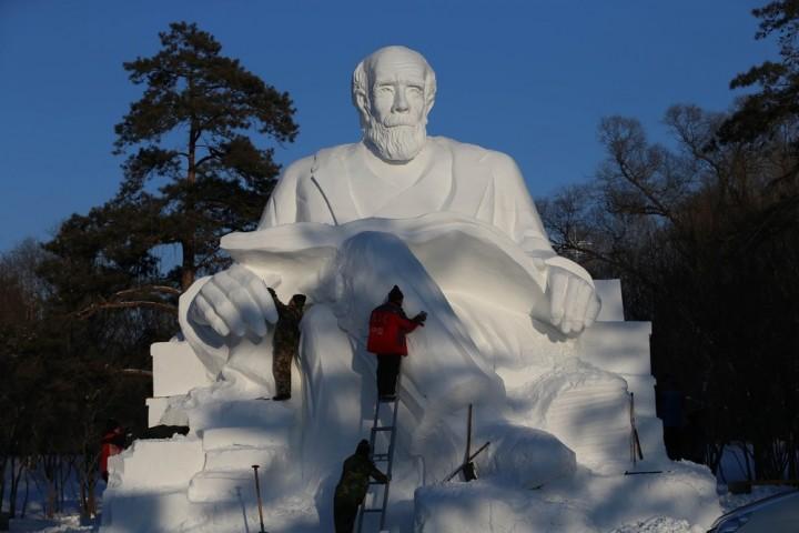 Фестиваль снежных и ледяных скульптур в Харбине (3)