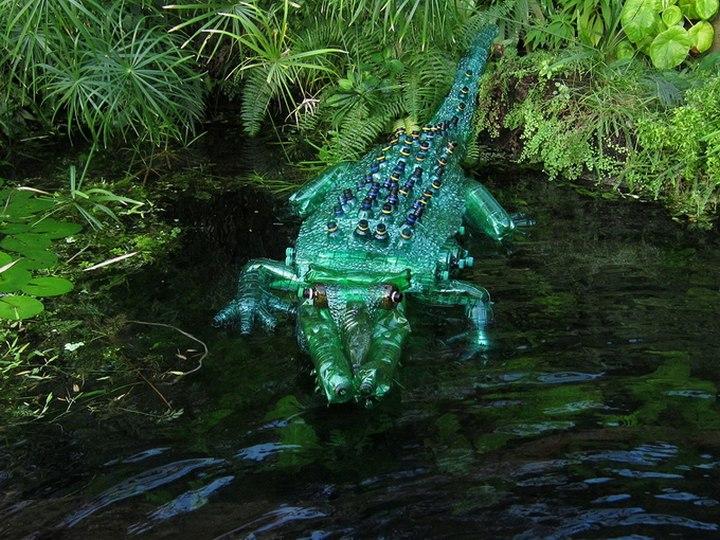 креатив, необычное, скульптуры из пластиковых бутылок (9)