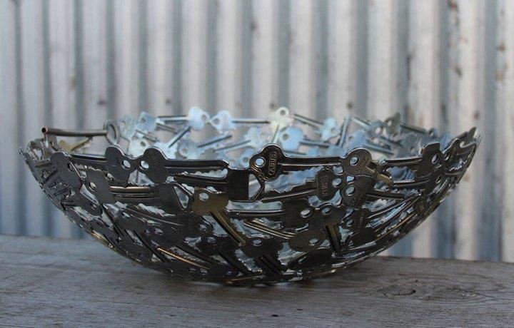 креатив, необычное, скульптуры из старых ключей и монет (3)