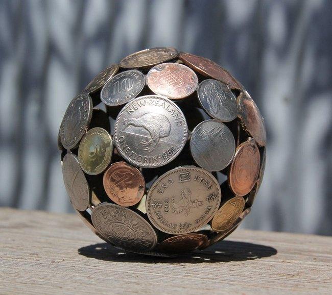 креатив, необычное, скульптуры из старых ключей и монет (5)