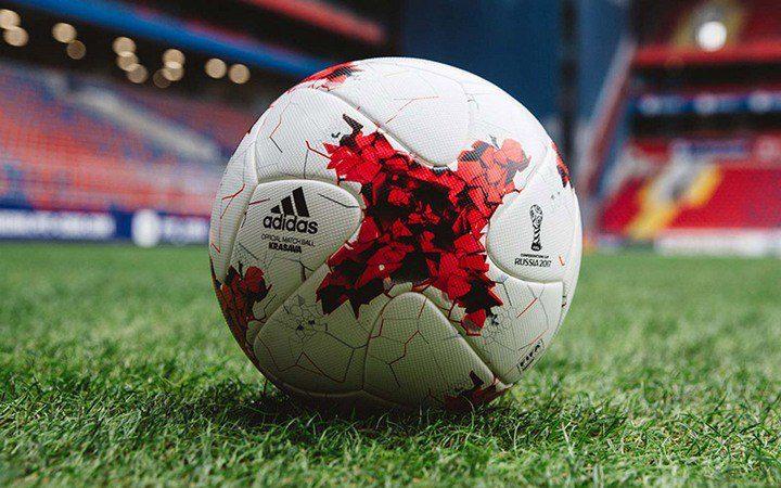 Чем интересны футбольные мячи Адидас? (3)